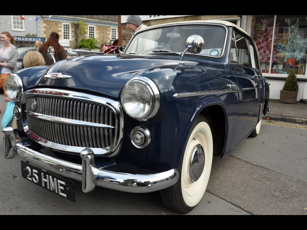 039_classic-cars_minx-jpg